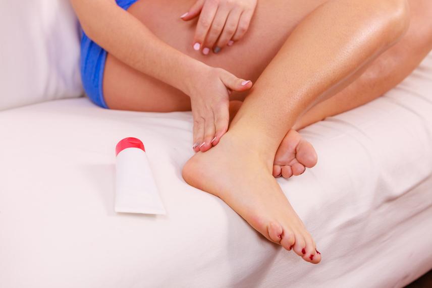 fájó kis ujjízület kezelése a lábak ízületei fájnak, mi a kezelés