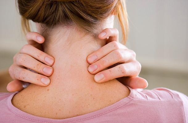 fájó fájdalom és ropogás az ízületekben