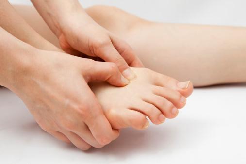 a kézízületek fájnak a vízből súlyos idegi fájdalom a vállízületben