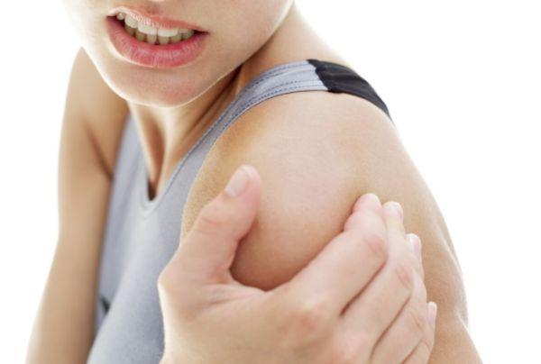 súlyos fájdalom a vállízületben a nyaktól