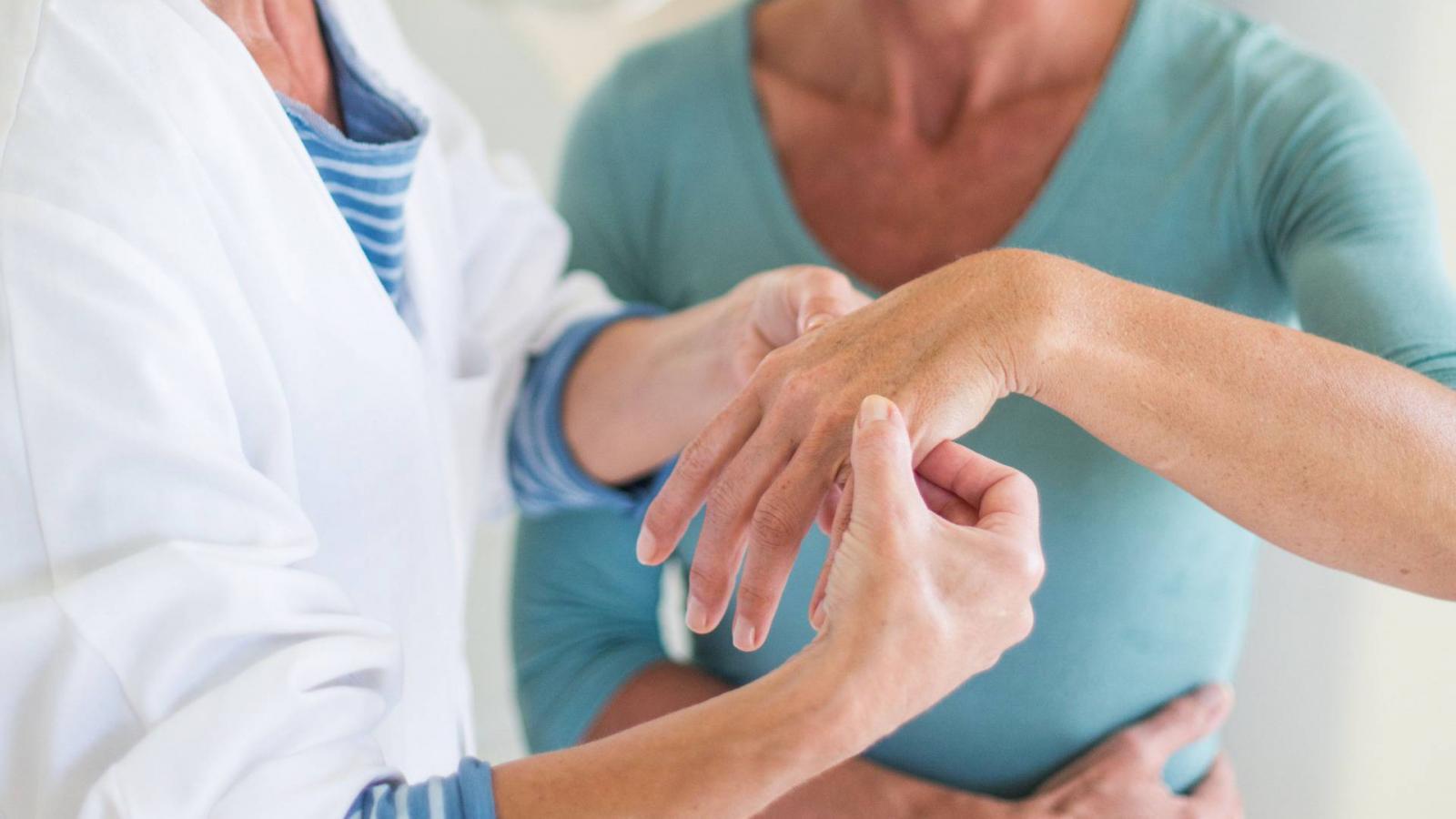 az ujjízület ízületi gyulladása sérülés után