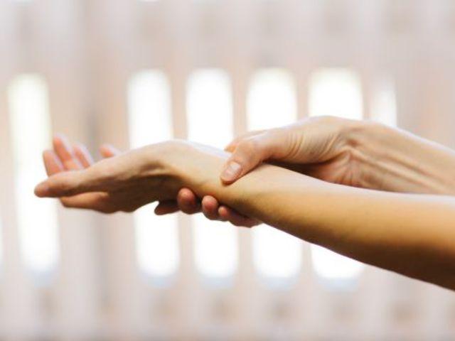 fájó ízület a gyűrűs ujj diagnosztizálásánál