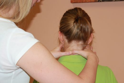 Nyakfájdalom - Mindig rossz, de van, amikor rohanni kell