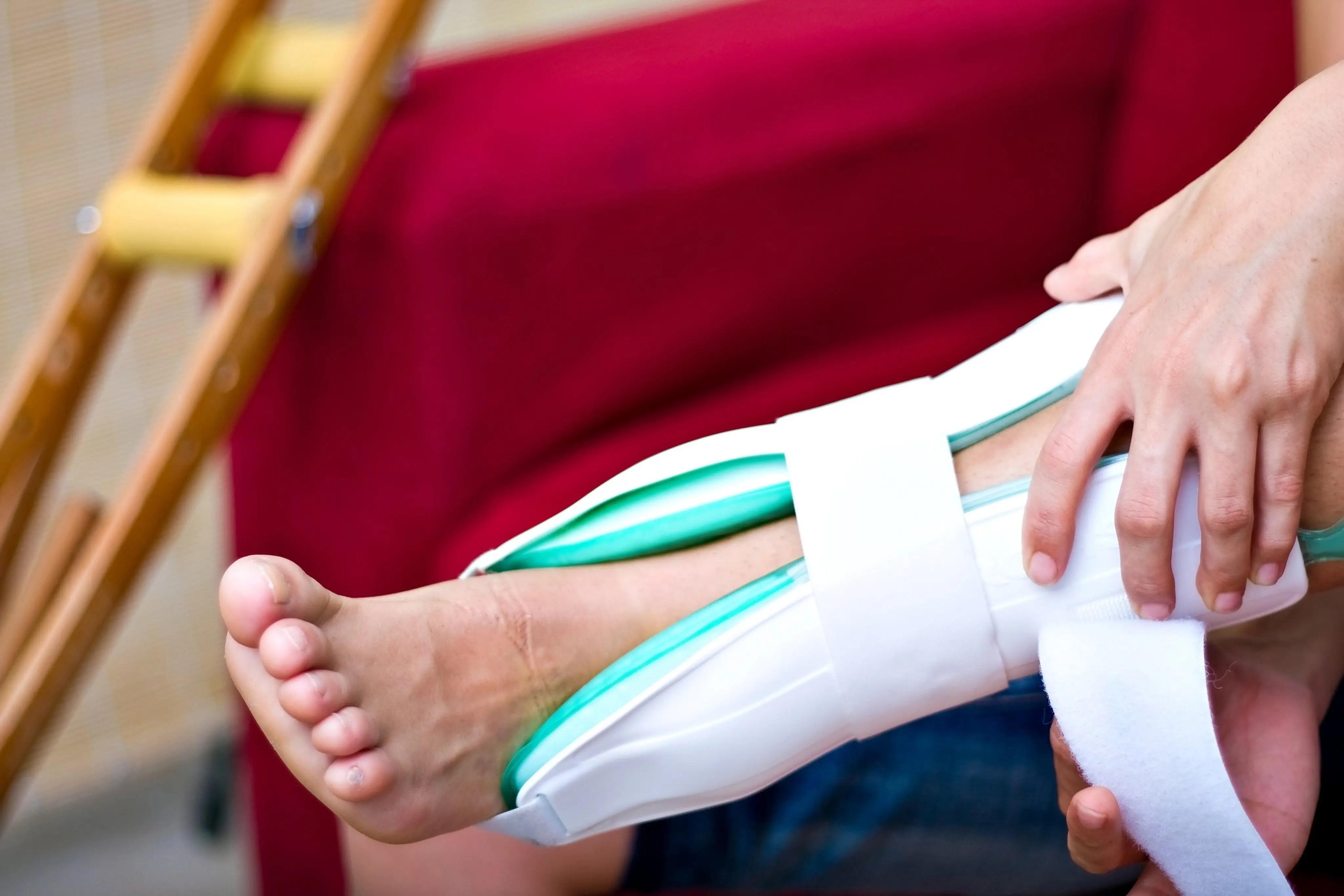 könyökfájás padon történő préselés közben térdízület kezelési movalis szinovitisz