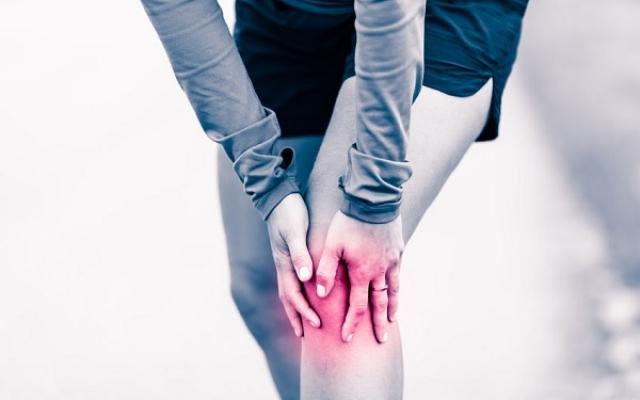 fájdalom a váll bal ízületében, mint hogy kezeljék deformáló artrózisos zselatinkezelés