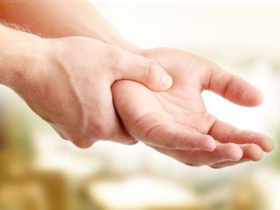 a kéz ízülete fáj a hüvelykujját