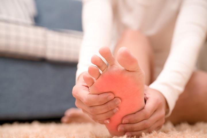 fájdalom a lábak ízületeiben, mit kell tenni mélyvénás gyulladás a térdízületben