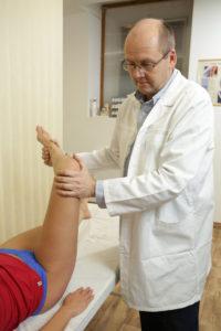 fájdalom a térd deformáló artrózisával