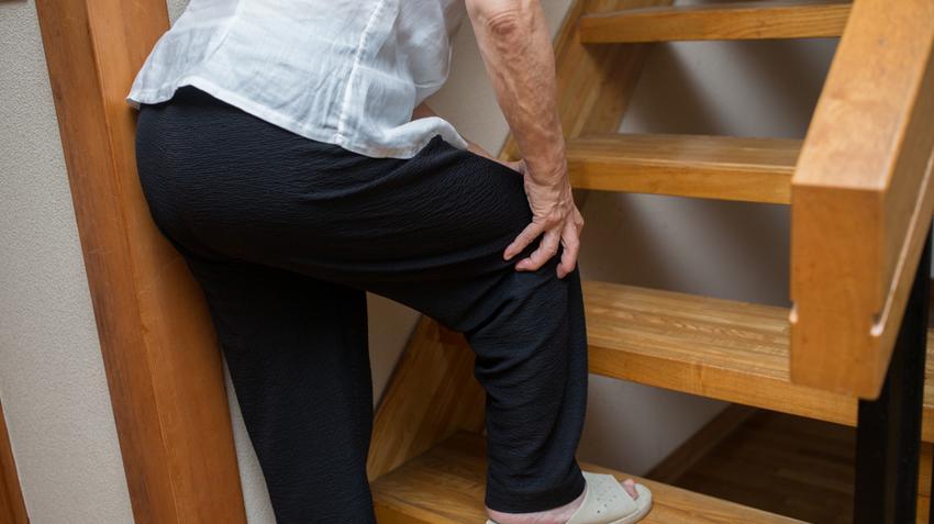térdízület fájdalom oka éles fájdalom az ízületekben és a hidegrázás