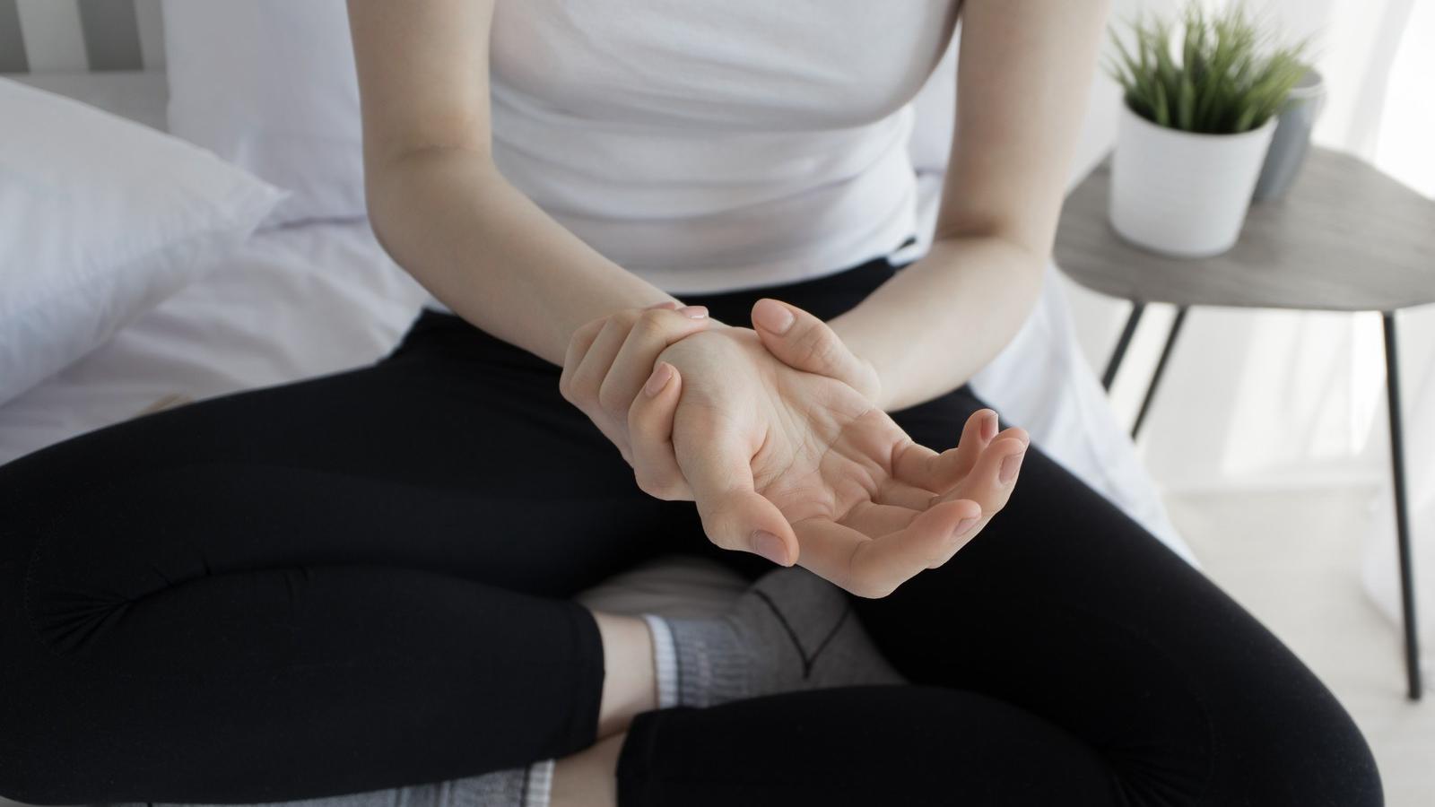 ha a kézízület fáj, mit kell tenni)