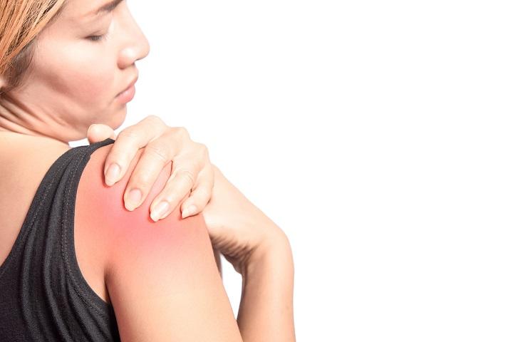 Sportolás közben erős vállfájdalom? Nem kell rögtön a műtétre go