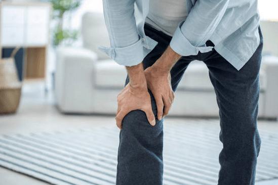 a láb csípőtől térdig fáj