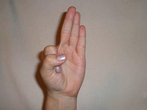 fájó ízület a bal kéz kisujján