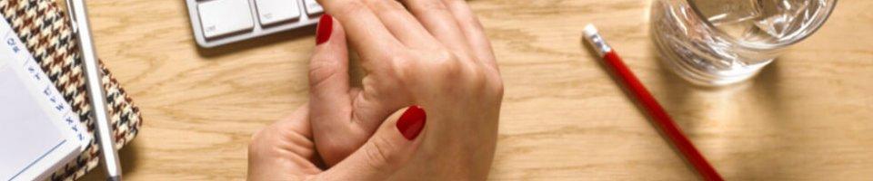 fájdalom a kéz könyökéjén)