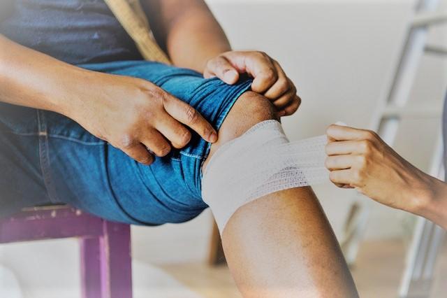 hogyan lehet kezelni a gyulladt ízületet a lábán