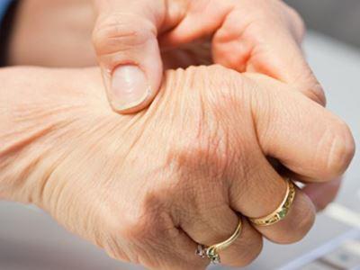 kit kezelni az ujjak ízületeit)