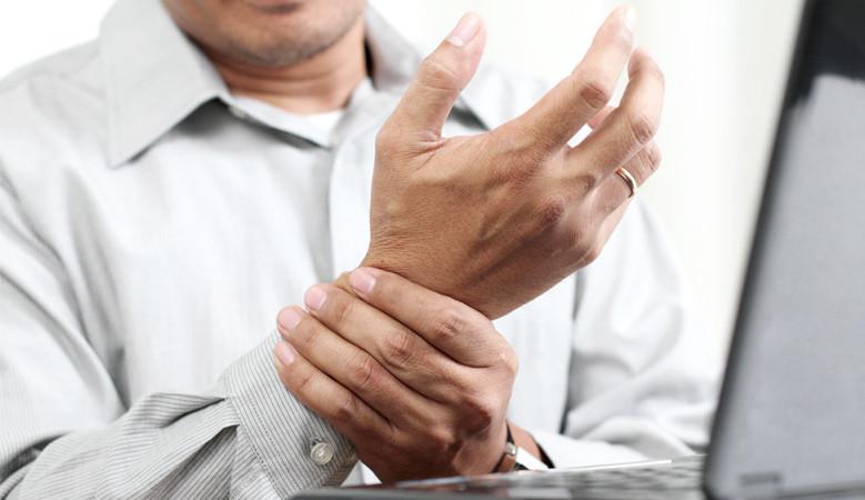 kézmasszázs ízületi gyulladás esetén fájó ízület a gyűrűs ujj diagnosztizálásánál