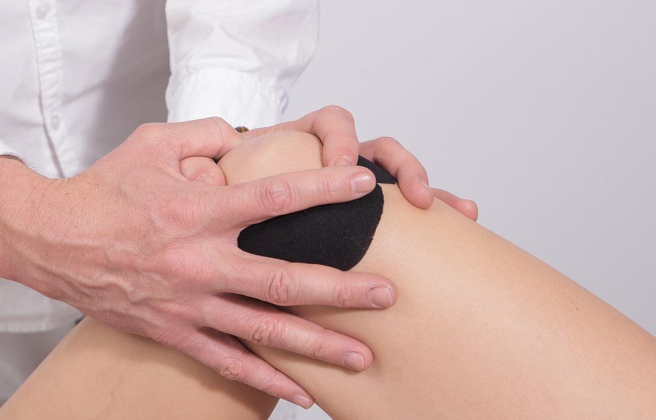 a jobb kéz ujjainak ízületei fájnak a második lábujj ízületi fájdalma okoz