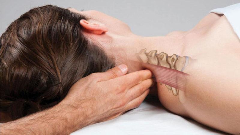 a karok és a lábak ízületei fájnak a kezelés helyéről)