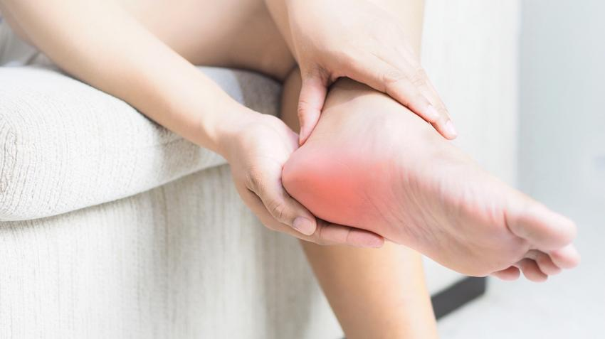 Tömörítse a fájdalmat a lábak ízületeiben